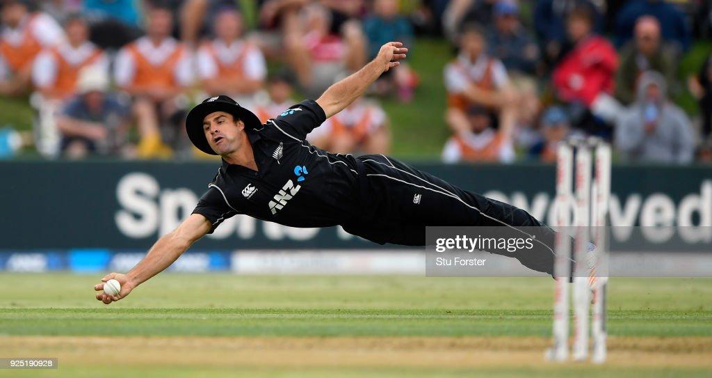 New Zealand v England - 2nd ODI : News Photo