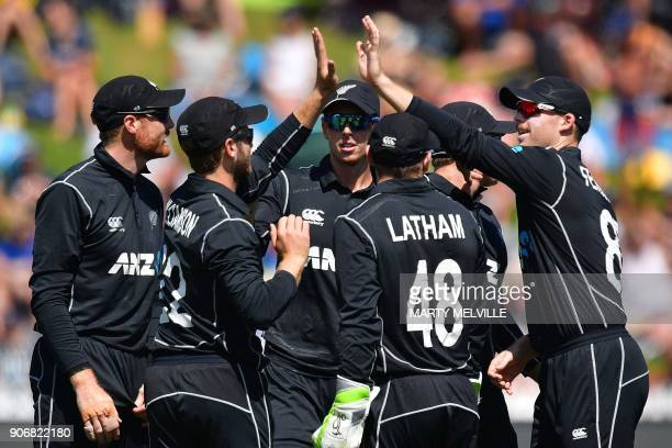 New Zealand players celebrate Pakistan's Fakhar Zaman being caught during the 5th oneday international cricket match between New Zealand and Pakistan...