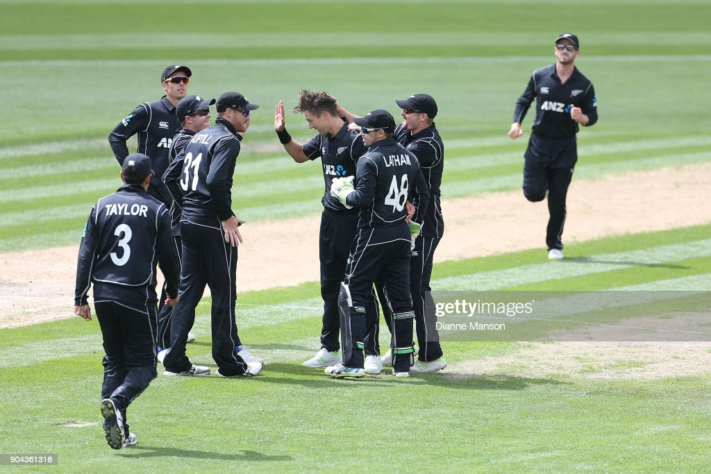 New Zealand players celebrate the dismissal of Fakhar Zaman of Pakistan during the third game of the One Day International Series between New Zealand and Pakistan at University of Otago Oval on January 13, 2018 in Dunedin, New Zealand.