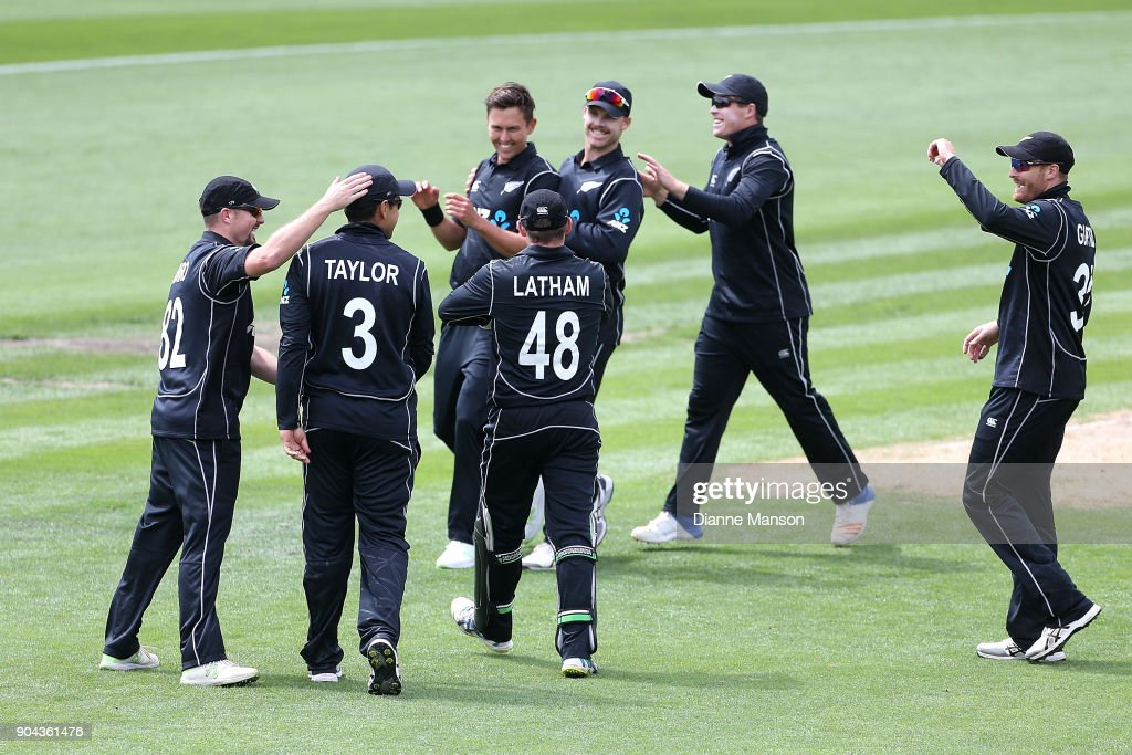 New Zealand players celebrate the dismissal of Mohammad Hafeez of Pakistan during the third game of the One Day International Series between New Zealand and Pakistan at University of Otago Oval on January 13, 2018 in Dunedin, New Zealand.