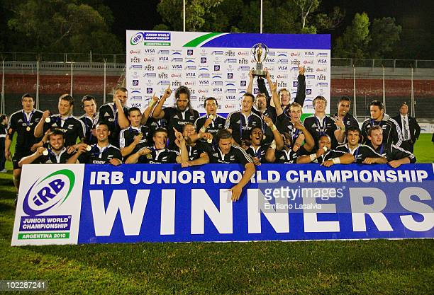 New Zealand players celebrate their victory in the 2010 IRB Junior World Championship final between Australia and New Zealand at Estadio El Coloso...