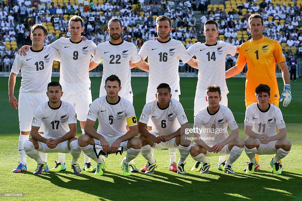 New Zealand v Mexico: FIFA World Cup Qualifier: Leg 2 : News Photo