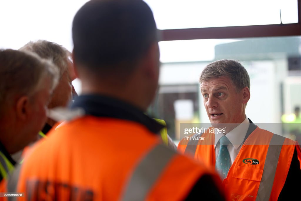 New Zealand Prime Minister Bill English speaks to produce packers at the Balle Brothers fresh produce plant in Pukekohe on August 22, 2017 in Auckland, New Zealand. National today announced plans to expand international trade access for Kiwi exporters to be able to trade with more regions by pushing to complete a Trans-Pacific Partnership deal.