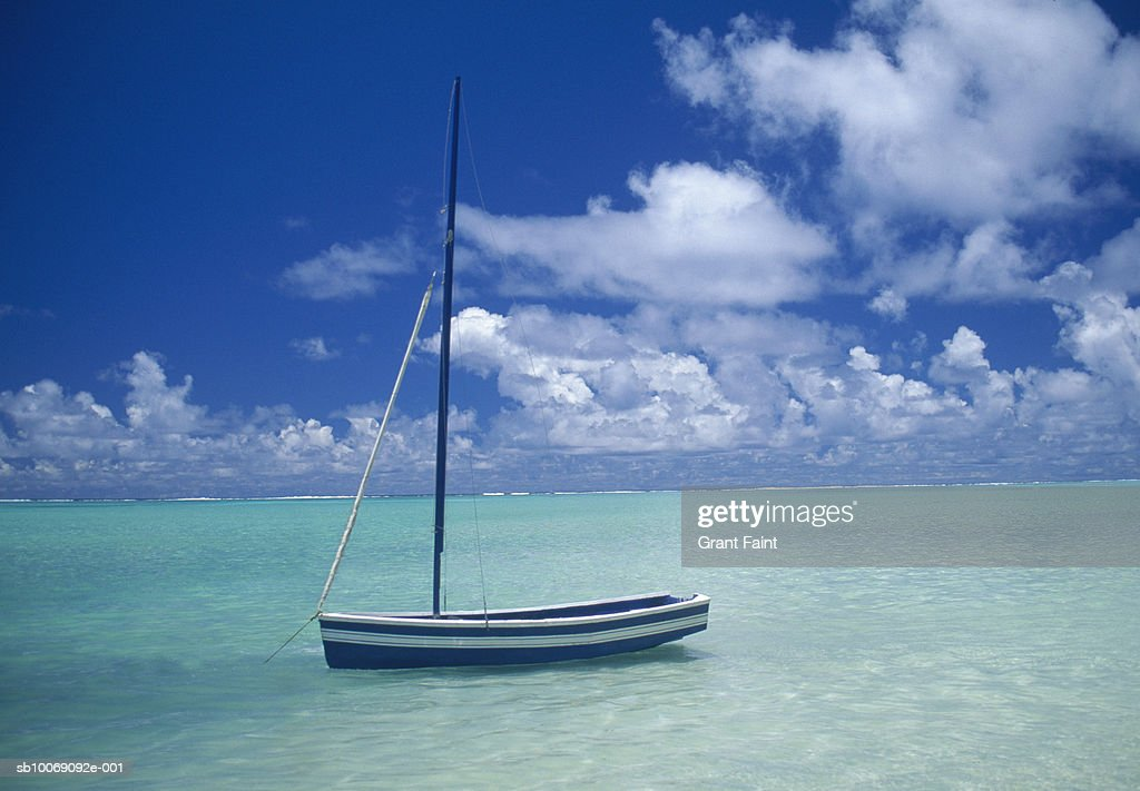 New Zealand, Sailboat anchored at cook islands : Stockfoto