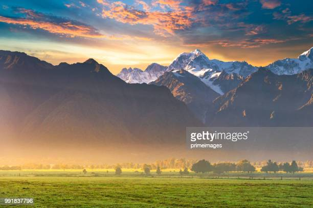 new zealand scenic mountain landscape at mount cook  at summer - new zealand stock pictures, royalty-free photos & images