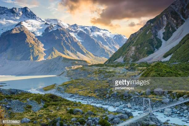 new zealand scenic mountain landscape at mount cook - new zealand stock pictures, royalty-free photos & images
