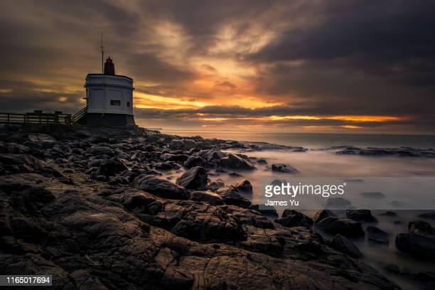 new zealand stirling point lighthouse - new zealand stock-fotos und bilder