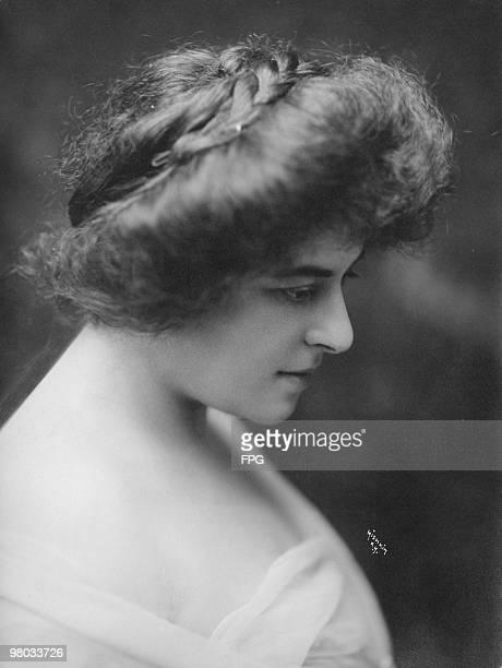 New Zealandborn operatic soprano Frances Alda circa 1910