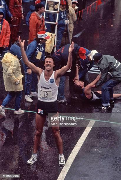 New Zealander Rod Dixon wins the NY Marathon New York New York October 23 1983