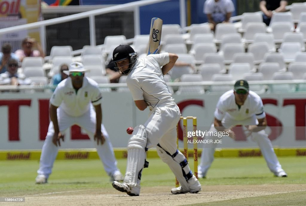 New Zealand's BJ Watling plays a shot on day 3 of the first Test match between South Africa and New Zealand, in Cape Town at Newlands on January 4, 2013.