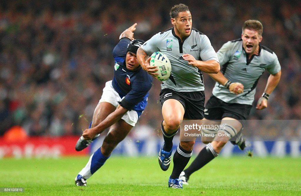 Rugby Union - IRB World Cup - France vs. New Zealand : News Photo
