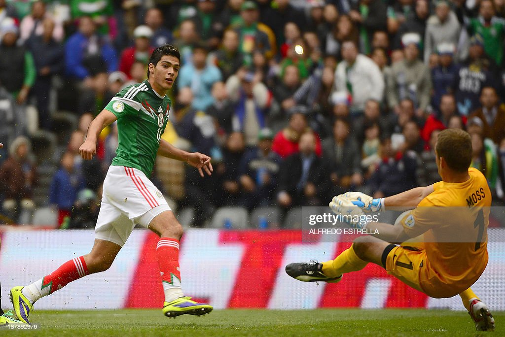 FBL-WC2014-MEX-NZL : News Photo