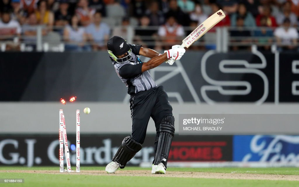 CRICKET-NZL-AUS : News Photo