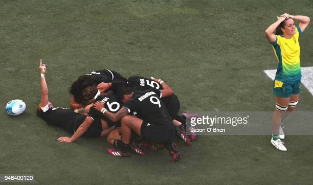 New Zealand's Kelly Brazier scores the winning try in the final against Australia during Rugby Sevens on day 11 of the Gold Coast 2018 Commonwealth...