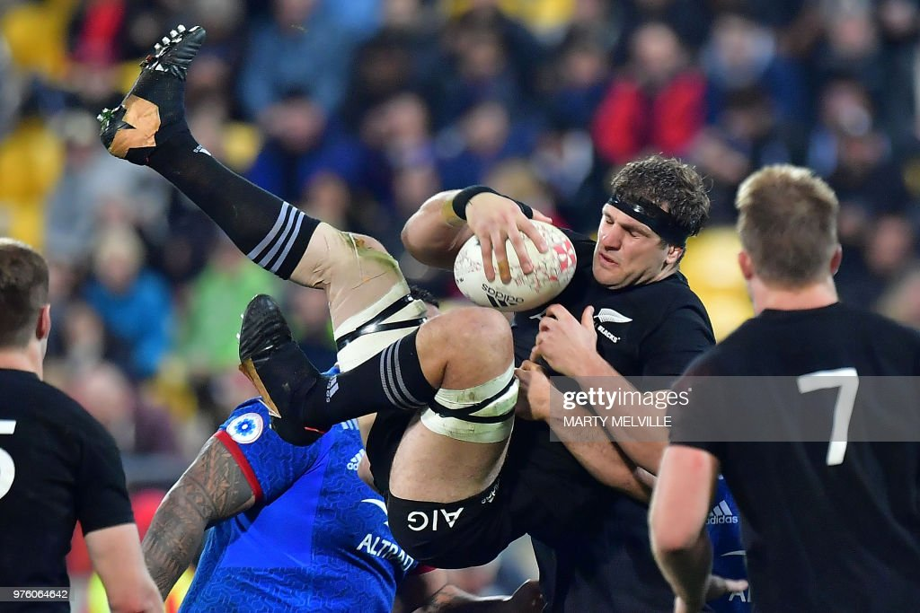 RUGBYU-NZL-FRA : News Photo
