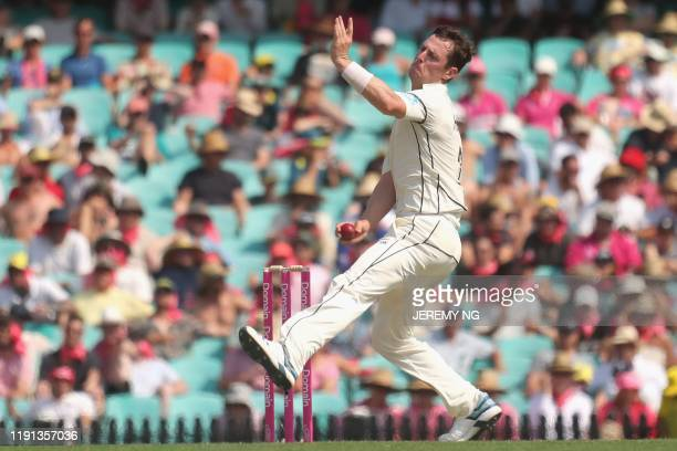New Zealands Matt Henry bowls during the first day of the third cricket Test match between Australia and New Zealand at the Sydney Cricket Ground in...