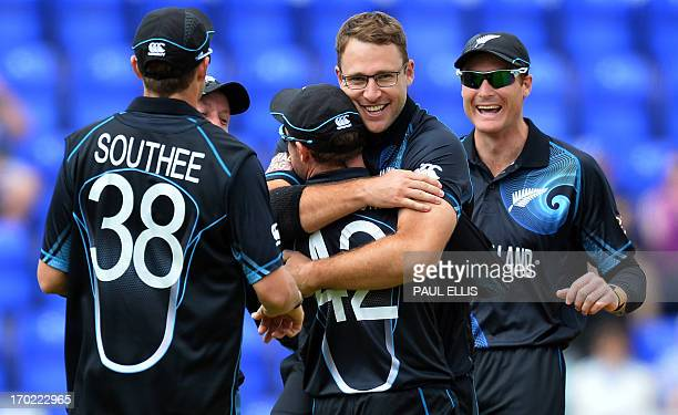 New Zeland's Daniel Vettori celebrates dismissing Sri Lanka's Prasanna Jayawardene during the 2013 ICC Champions Trophy cricket match between Sri...