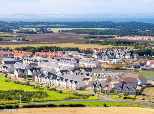 newbuild british suburban housing estate - new stock pictures, royalty-free photos & images