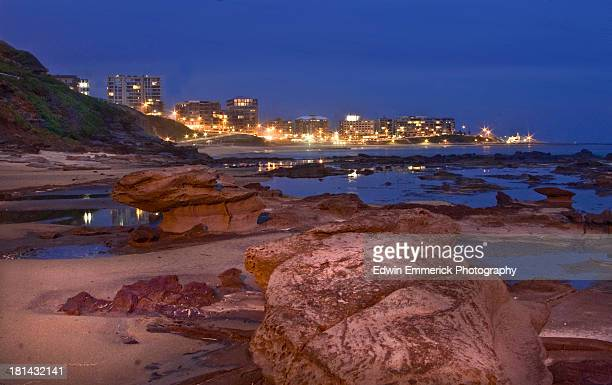 newcastle blue hour - newcastle new south wales stock pictures, royalty-free photos & images