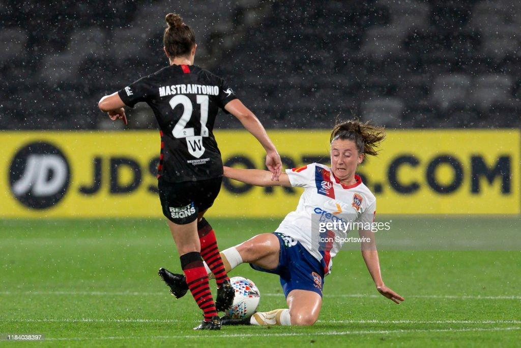 SOCCER: NOV 22 W-League Rd 2 - Western Sydney Women v Newcastle Jets Women : News Photo