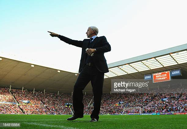 Newcastle manager Alan Pardew gestures during the Barclays Premier League match between Sunderland and Newcastle United at the Stadium of Light on...