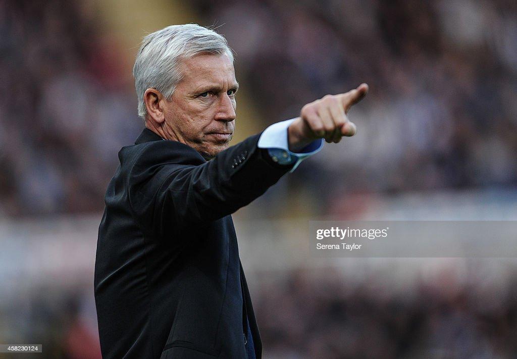 Newcastle United v Liverpool - Barclays Premier League : Photo d'actualité