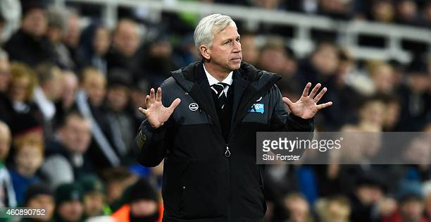 Newcastle manager Alan Pardew reacts during the Barclays Premier League match between Newcastle United and Everton at St James' Park on December 28...