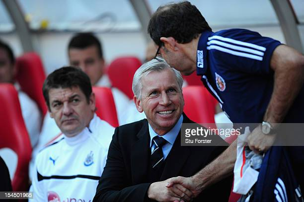 Newcastle manager Alan Pardew shakes hands with Sunderland boss Martin O' Neill before the Barclays Premier league match between Sunderland and...