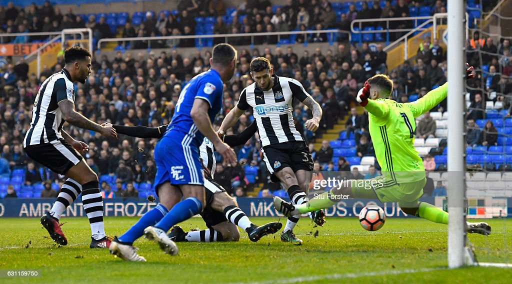 Newcastle player Daryl Murphy scores the opening goal during The Emirates FA Cup Third Round match between Birmingham City and Newcastle United at St Andrews (stadium) on January 7, 2017 in Birmingham, England.