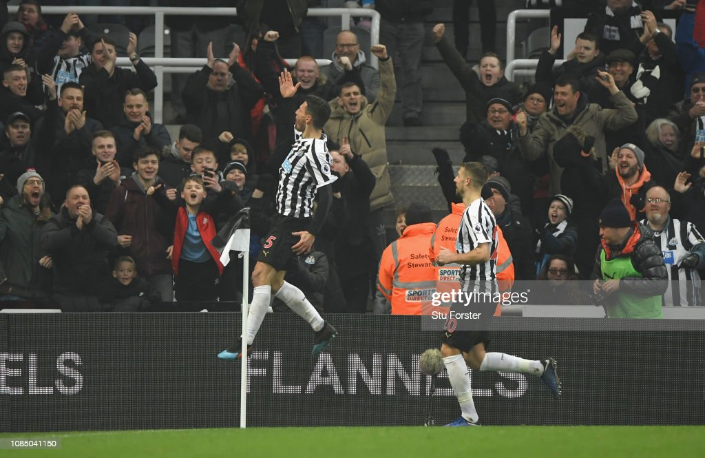 Newcastle United v Cardiff City - Premier League : News Photo