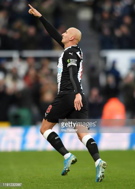 Newcastle player Jonjo Shelvey celebrates after scoring 2nd Newcastle goal during the Premier League match between Newcastle United and Manchester...