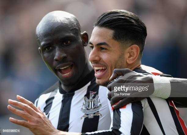 Newcastle player Mohammed Diame congratulates goalscorer Ayoze Perez during the Premier League match between Newcastle United and Arsenal at St James...