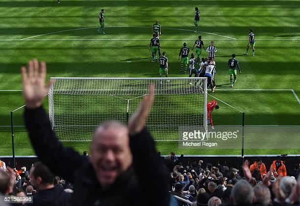 Newcastle players celebrate the goal scored by Jamaal Lascelles during the Barclays Premier League match between Newcastle United and Swansea City at...