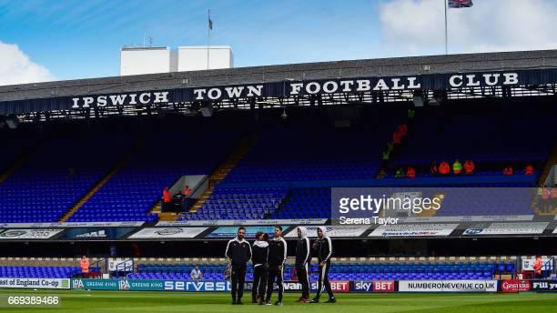 Newcastle Players seen LR Jesus Gamez DeAndre Yedlin Christian Atsu Ayoze Perez Aleksandar Mitrovic and Isaac Hayden stand on the pitch prior to kick...