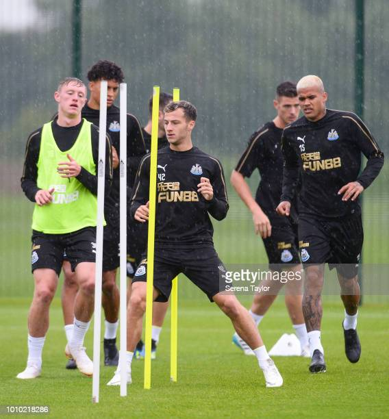 Newcastle players seen LR Sean Longstaff Josef Yarney Jamie Sterry Ciaran Clark and Kenedy warm up during the Newcastle United Training Session at...