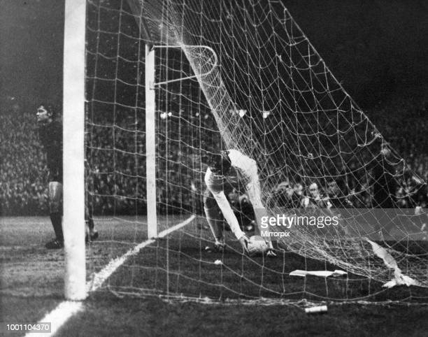 Newcastle United 1-0 Sporting Lisbon, Inter-Cities Fairs Cup Second Round, 2nd Leg, football match at St James Park, Wednesday 20th November 1968....