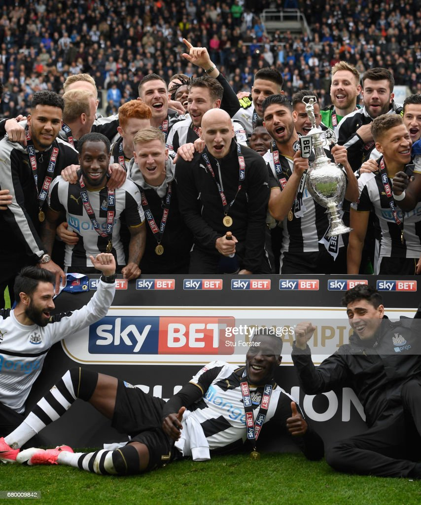 Newcastle United v Barnsley - Sky Bet Championship : News Photo