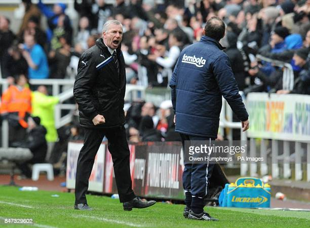 Newcastle United manager Alan Pardew argues with Sunderland manager Martin O'Neill on the touchline