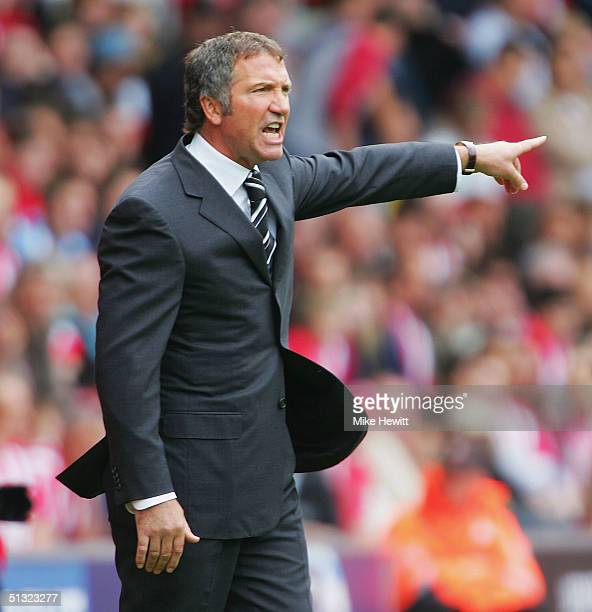Newcastle United manager Graeme Souness shouts instructions during the Barclays Premiership match between Southampton and Newcastle United on...