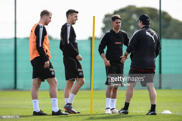 Newcastle United Manager Rafael Benitez talks to players seen LR Florian Lejeune Joselu and Ayoze Perez during the Newcastle United Training Session...