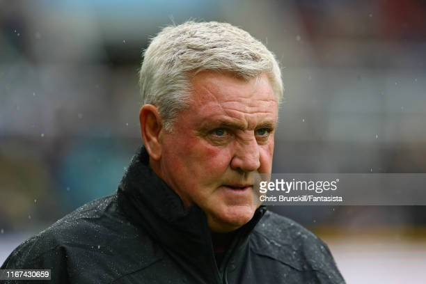 Newcastle United manager Steve Bruce looks on during the Premier League match between Newcastle United and Arsenal FC at St. James Park on August 11,...