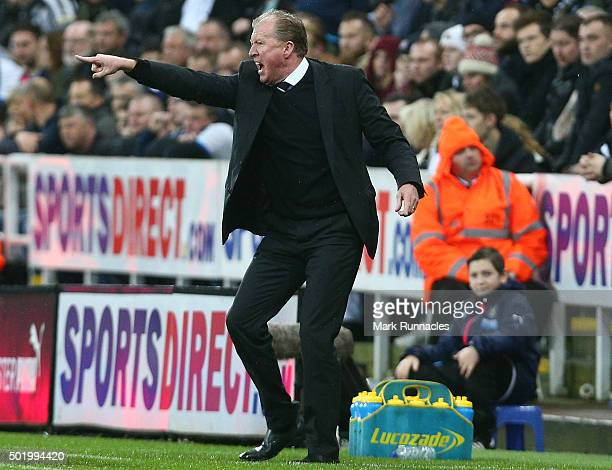 Newcastle United manager Steve McLaren gestures during the Barclays Premier League match between Newcastle United FC and Aston Villa FC at St James'...