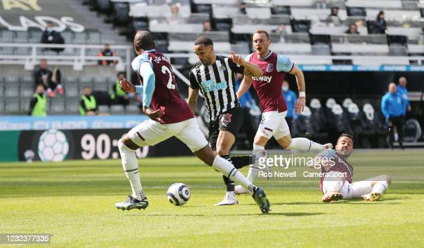 Newcastle United's Callum Wilson takes on the West Ham defence during the Premier League match between Newcastle United and West Ham United at St....