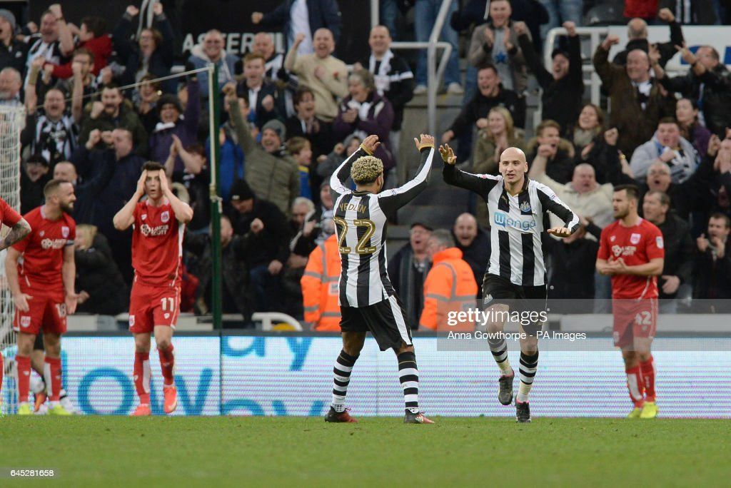 Newcastle United v Bristol City - Sky Bet Championship - St James' Park : News Photo
