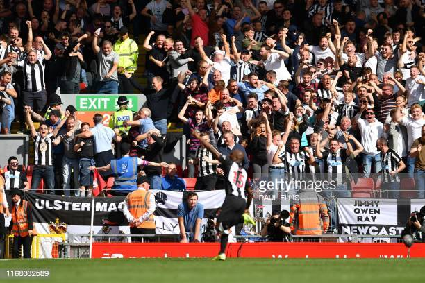 Newcastle United's Dutch defender Jetro Willems celebrates scoring the team's first goal during the English Premier League football match between...
