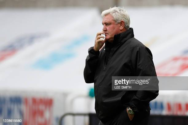 Newcastle United's English head coach Steve Bruce reacts during the English Premier League football match between Newcastle United and Brighton and...