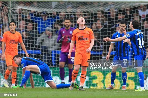 Newcastle United's English midfielder Matthew Longstaff reacts to a missed chance at goal during the English FA Cup third round football match...