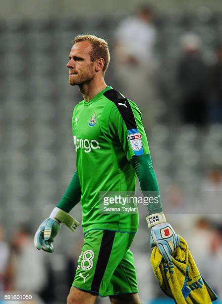 Newcastle Unitedâs Goalkeeper Matt Sels walks off the pitch during the Sky Bet Championship match between Newcastle United and Reading at StJames'...