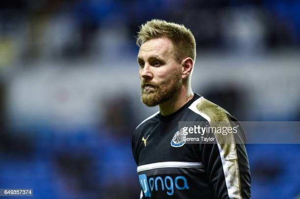 Newcastle United's Goalkeeper Rob Elliot walks off the pitch during the warm up of the Sky Bet Championship Match between Reading and Newcastle...