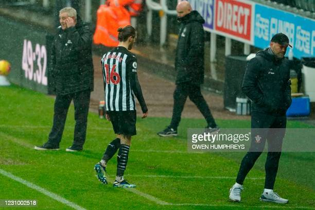 Newcastle United's Irish midfielder Jeff Hendrick leaves the pitch during the English Premier League football match between Newcastle United and...